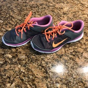 Nike women's 7.5 pink/orange sneakers